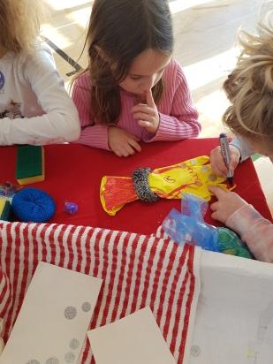 Decorating gloves 2